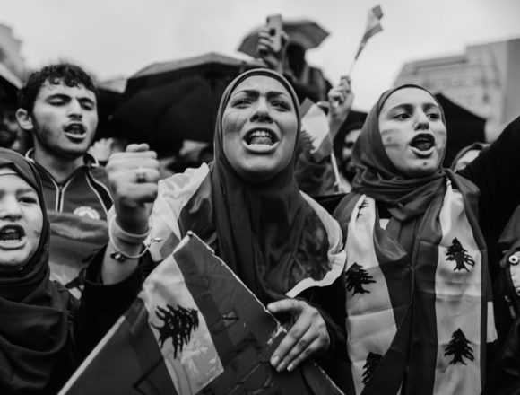 الإعلام: عين على الثورة